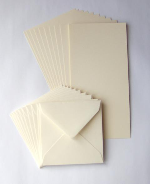 6' X 6' IVORY CARDS AND ENVELOPES
